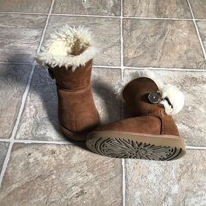 UGG Bailey button toddlers boots